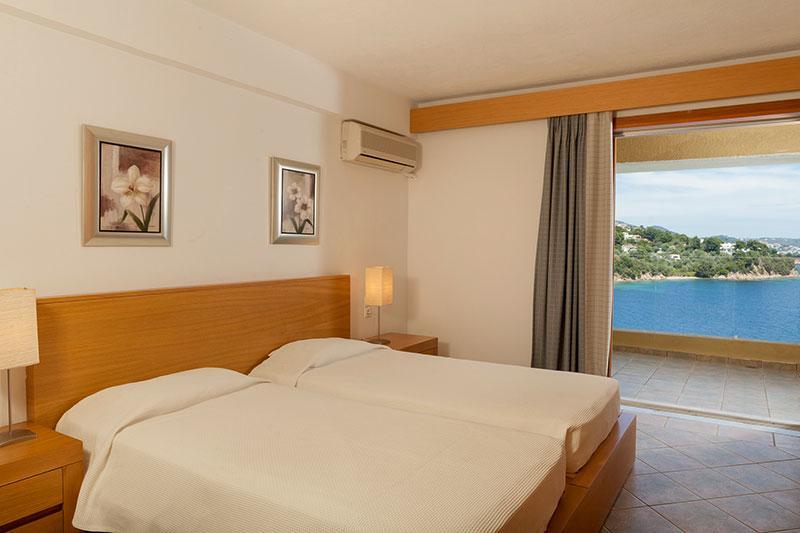 2 room suite II