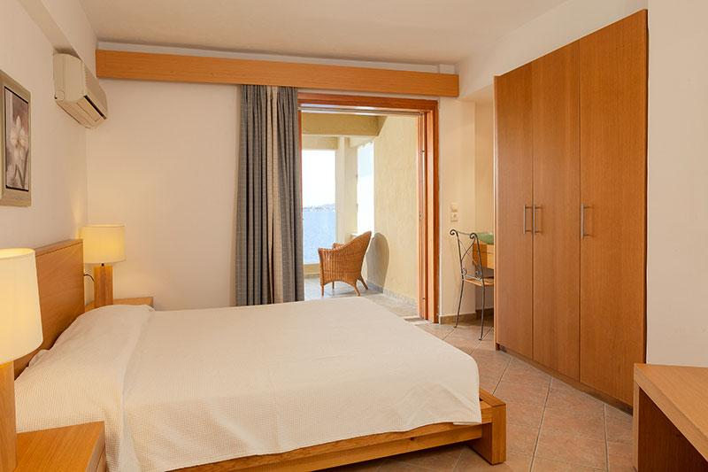 family,room, skiathos, hotel, suites, kanapitsa, cape
